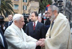 Papa Benedict al XVI-lea în vizită la sinagoga din Roma