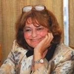 O sticlă aruncată în mare: poezia Anei Blandiana