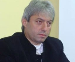 """""""Băsescu a furat o idee în care nu a crezut niciodată şi i-a prostit pe intelectualii de mătase ai României"""""""